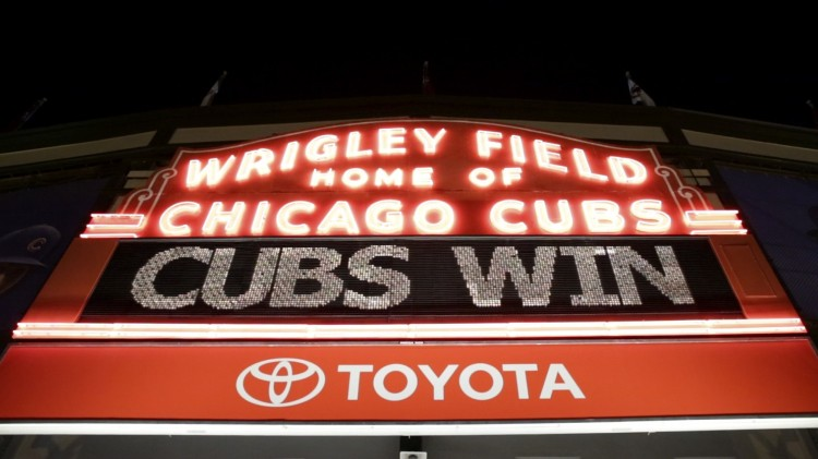 ct-fans-react-to-chicago-cubs-win-20151013